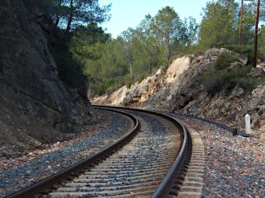 train-573837_1920