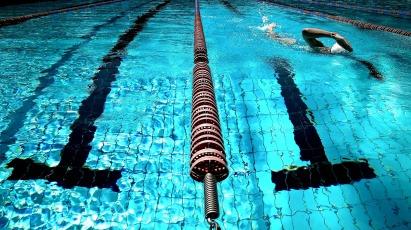 swimming-924895_1920.jpg