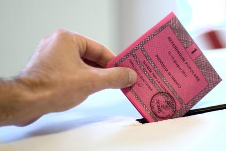2011_Italian_referendums.jpg